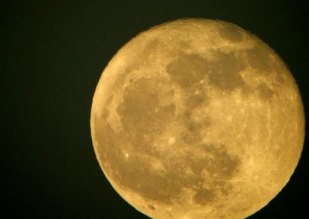 In the sky, the moon was big and beautiful. Lucy knew it was a little ridiculous, but she liked to think that it was God
